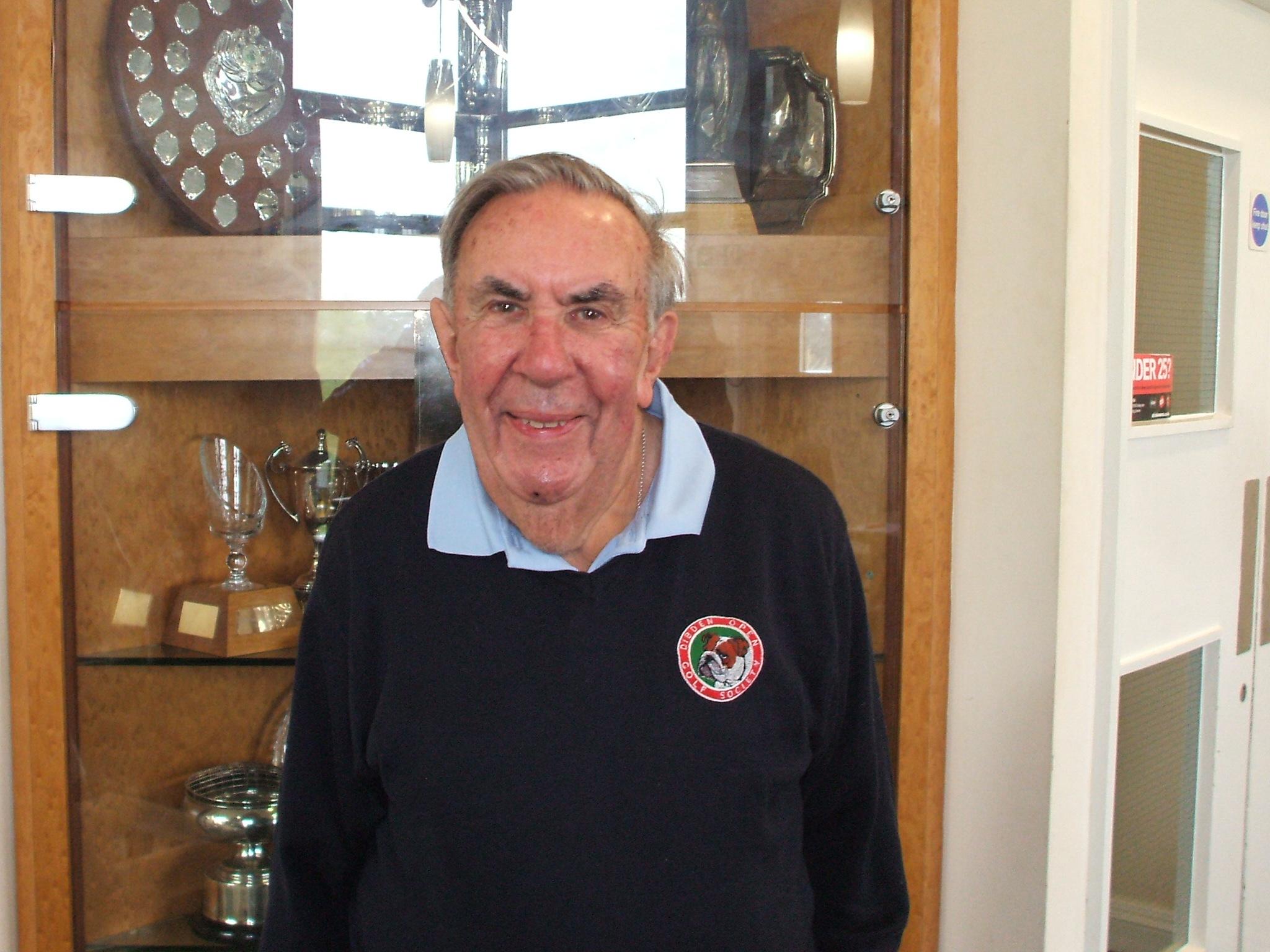 16 April: 9 Hole Winner Roy Cooper